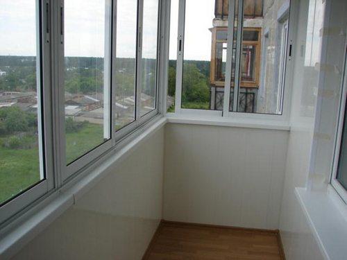 Остекление балконов в сталинском доме