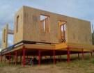 Как построить дом на винтовых сваях своими руками?